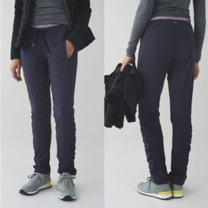 Lululemon Runderful Pant in Black, Like-New!